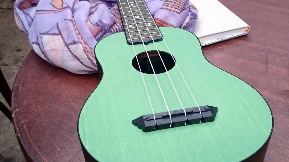 mint green uke