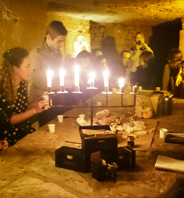 Testing hydromiel in catacombes