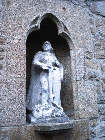 Statue St Michel